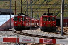 Matterhorn-Gotthard-Bahn (3) (Krzysztof D.) Tags: pociąg train zug kolej bahn railway dworzec station stacja bahnhof szwajcaria schweiz suisse svizzera svizra electric elektryczny wąskotorówka narrowgauge schmalspurbahn