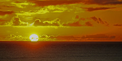 Touchdown at the horizon (Manfred_H.) Tags: nature weather sunset sonnenuntergang wetter wolken abend clouds evening sun