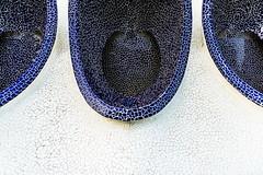 Listen ... (Maerten Prins) Tags: spain spanje valencia calatrava santiagocalatrava architect architecture modern cityofartsandsciences blue broken tiles curves mosaic pattern symmetry geometry curve