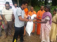 "Kerala Flood Relief (23) <a style=""margin-left:10px; font-size:0.8em;"" href=""http://www.flickr.com/photos/47844184@N02/44251949181/"" target=""_blank"">@flickr</a>"