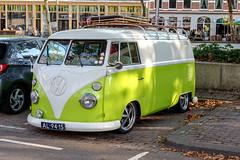 Volkswagen T21 (R. Engelsman) Tags: volkswagen vw t21 minivan oldtimer classiccar car automotive vehicle busje bestelbus t1