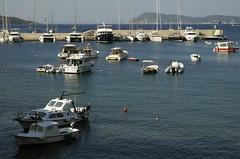 Hamn (dese) Tags: hamn harbour harbor båtar boats july25 2018 july252018 molo øy island komiža vis coast hav havet europa adriahavet adriaticsea adriatic july juli summer sommar ferie croatia kroatia europe dalmatia adriatischesmeer