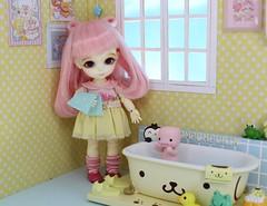 The Peculiar Pink Man is Here to Stay #3 (Arthoniel) Tags: peculiar pink man myth latidoll latiyellow lati doll marshmallow suji ns normalskin bjd balljointeddoll figure toy collection nereapozo keera diorama sanrio pompompurin littletwinstars rement dollhouse roombox