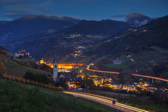 Dolomite Night (hapulcu) Tags: altoadige chiusa herbst italia italie italien italy klausen südtirol automne autumn autunno toamna