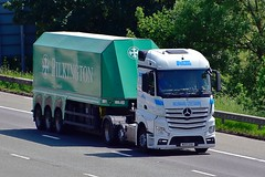 MX15 GUU (Martin's Online Photography) Tags: mercedes actros mp4 truck wagon lorry freight haulage commercial transport m6 highlegh cheshire nikon nikond7200 vehicle