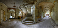 Who has the choice has the agony (Foto_Fix_Automat) Tags: panorama heilstätte sanatorium lostplaces abandoned abandonedplaces doors floor abandonedfoto decay exploration explorer explore urbex urban urbanexploring urbanphotography