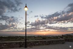 Farola encendida (Miguel Lorenzo Fotografía) Tags: atardecer sunset puestadesol sun farola luz beach playa cádiz magiccádiz nikond810 nikkor1424 paisaje landscape seascape tarifa