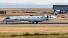 Bombardier CRJ-705 C-FDJZ Air Canada Express (William Musculus) Tags: yvr cyvr vancouver international airport spotting william musculus richmond britishcolumbia canada ca cfdjz air express bombardier crj705 cl6002d15 crj900 canadair regional jet jazz jza qk ac aca