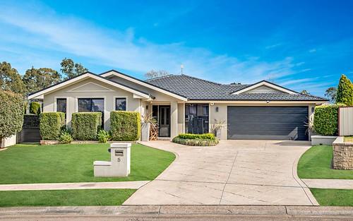 5 Semillon Grove, Cessnock NSW