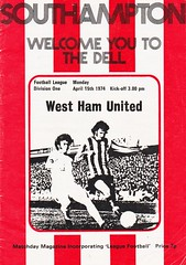 Southampton vs West Ham United - 1974 - Cover Page (The Sky Strikers) Tags: southampton west ham united football league division one the dell matchday magazine 7p