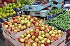 Apples (jpellgen (@1179_jp)) Tags: copenhagen kobenhavn denmark dane danish travel scandinavia scandinavian europe european nikon sigma 1770mm d7200 2018 summer august food foodporn torvehallerne market farmersmarket apples