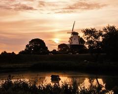 Veere ochtend (Omroep Zeeland) Tags: ochtendgloren weer weerfoto zeeland natuur walcheren opkomendezon veere rtlweerfoto meteogroup buienradar