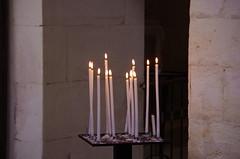 38 - Luberon - Roussillon, le village de l'Ocre, dans l'église (paspog) Tags: ocre roussillon village dorf luberon provence france august août 2018 candles cierges kerzen église church kirche