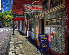 """Smitty's"" (jcc55883) Tags: bar smittys smithsunionbar hotelstreet smithstreet chinatown chinatownhonolulu honolulu localcolor streetscene urbanscene hawaii oahu hawaiihistory historichonolulu ipad primo tavern primobeer"