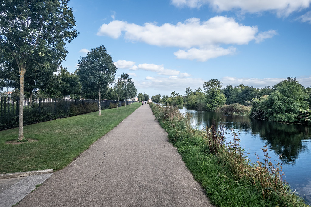A WALK ALONG THE ROYAL CANAL [THE CRESCENT PARK AREA NEAR ASHTOWN]-143989
