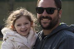 Amores (cesarbilan) Tags: franco cata nieta familia sonrisas anteojos retratos