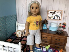 5. Proud and relieved (Foxy Belle) Tags: american girl doll bedroom dollhouse 14 scale scene diorama wooden wood furniture thrift store julie 1970s petite blythe caco dolls
