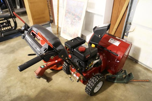 "Like-New Craftsman 24"" Snowblower with electric start ($392.00)"