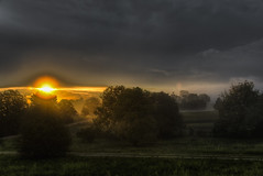Morning Light (Klaus Ficker --Landscape and Nature Photographer--) Tags: sunrise fog clouds rays kentuckyphotography klausficker canon eos5dmarkiv kentucky usa frankfort