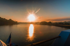Explosion of the sun. (ost_jean) Tags: sun douro portugal nikon d5300 tamron sp af 1750mm f28 xr di ii vc ld aspherical if ostjean river porto sunrise