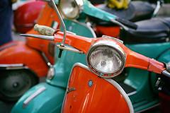 Vintage Vespas, Pt. II (Eric Flexyourhead) Tags: nakanoshima 中之島 kitaku 北区 osaka osakashi 大阪市 kansai 関西地方 japan 日本 city urban detail fragment modsmayday 2018modsmayday osakamodsmayday 2018osakamodsmayday scooterrun mod mods scooter italian vespa vintage classic retro sonyalphaa7 zeisssonnartfe55mmf18za zeiss 55mmf18