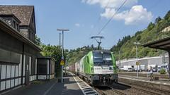 Hödlmayr in Linz (TGr_79) Tags: taurus siemens linz rheintal rheinstrecke rhein train freight locomotive wlb hödlmayr station summer railway railways