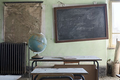 La Scuola di Mappe (Jonnie Lynn Lace) Tags: abandoned italy italia italian trip travel europe european euro school scuola maps globe desk chairs education learn teal red yellow white green decay derelict detail details design texture textures depth dof door nikkor nikon d750 50mm digital interior indoors old rural rurex classic beautiful peeling paint perspective history historic memories time papers shadows light bright exploration explore explorer urbex map mappe