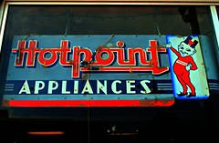 Hotpoint Appliances (Cragin Spring) Tags: neon neonsign sign vintage vintagesign oldsign illinois il midwest unitedstates usa unitedstatesofamerica appliances appliancestore morrison morrisonil morrisonillinois elf hotpoint hotpointappliances