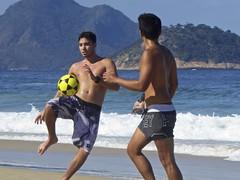 Footvolley at Copabana beach (a l o b o s) Tags: footvolley sport futbol ball boys guys garotos cute nice beautiful water beach playa funny enjoying rio de janeiro brasil brazil have fun outdoors candid brazilian brasileño futevolei 2018