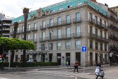Vigo (hans pohl) Tags: espagne galice vigo houses bâtiments maisons buildings fenêtres windows architecture streets rues