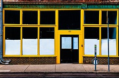 ONE TWENTY-TWO (panache2620) Tags: yellow amarillo simple storefront verticals horizontals buildings geometric candid photodocumentary city urban minneapolis minnesota eos canon