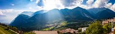 Pranzo im Sonnenlicht (Tubus112) Tags: daskleinefotostudio landschaft pranzo himmel tenno sky outdoor canon lagodietenno gardasee blick