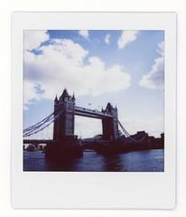 (moS.nap) Tags: fujifilm instaxsq6 instaxsquare instantfilm travel photo snapshot towerbridge london england landscape