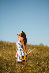be happy (bethanierobyn) Tags: girl sunflower model summer yellow floral flower dress portrait 85mm canon