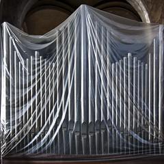 Jeux interdits (Gerard Hermand) Tags: 1809105599 gerardhermand france paris canon eos5dmarkii église saintmerry church orgue organ bâche cover plastique plastic