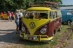 VW Buzz Surfer Face (Maverick67350) Tags: voiture anciennes old car panasonicdmcg80 weiterswiller alsace vw volkswagen combi buzz
