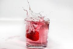 Strawberry (arvinbenitez) Tags: splash strawberry yongnuo flash watersplash