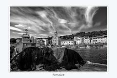 Port Vendres, Pyrénées orientales (Francinen89) Tags: france pyrénéesorientales sud south noiretblanc blackandwhite paysage landscape mer sea