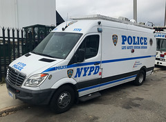 NYPD Life Safety Systems Division Electronics Section Freightliner Van (NY's Finest Photography) Tags: highway patrol state nypd fdny ems police law enforcement ford dodge swat esu srg crc ctb rescue truck nyc new york mack tbta chevy impala ppv tahoe mounted unit service squad dcu