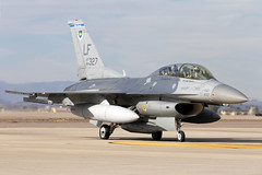 84-1327_F-16DFightingFalcon_USAirForce_LUF_Img02 [Explored] (Tony Osborne - Rotorfocus) Tags: general dynamics lockheed martin f16 fighting falcon viper united states air force usaf luke afb arizona 2018 f16d