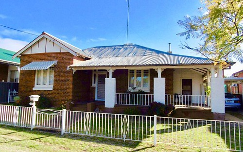 30 Elizabeth St, Parkes NSW 2870