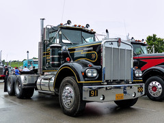 Kenworth Semi Tractor (J Wells S) Tags: kenworthsemitractor kenworthconventionaltruck kw truck vintagekenworth semi bigrig 18wheeler historictruck antiquetruck chrome showtruck athsamericantruckhistoricsociety 2018athstruckshowandconvention kentuckyhorsepark lexington kentucky camiones lorry