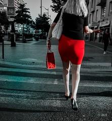 NINA'S Paris (Jack_from_Paris) Tags: p1000058l panasonic dmcgx8 micro 43 raw mode dng lightroom capture nx2 rangefinder télémétrique colors couleurs rouge red jupe ninas cadeau