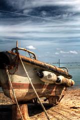 bateau 2 (leofg37) Tags: bateau boat ciel nuage cloud sea ocean mer water canon eos 700d 2470 hdr photographie photographer ile daix iledaix