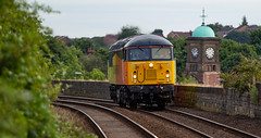 Colas Railfreight Class 56 no 56090 approaches Mansfield Station on 22-08-2018 with a Barnetby to Barnetby Route Learner. (kevaruka) Tags: 56090 class56 colour colours color colors colasrailfreight lightengine grid mansfield retford britishrail networkrail locomotive composition summer august 2018 yellow orange black green clouds cloudy cloudyday sun sunshine sunny sunnyday 5d3 5diii 5d 5dmk3 canon canoneos5dmk3 canon5dmk3 canon70200f28ismk2 flickr frontpage thephotographyblog telephototrains england trains train railway