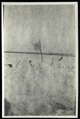Archiv P874 Sandburg, Ostsee, 1930er (Hans-Michael Tappen) Tags: archivhansmichaeltappen sandburg ostsee kinderspiel outdoor fotorahmen 1930s 1930er