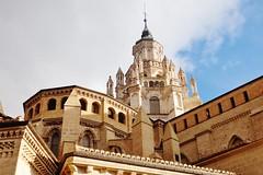 Cimborrio Catedral de Tarazona. S.XII (Eduardo OrtÍn) Tags: mudejar gótico nubes cielo catedral zaragoza aragón tarazona cimborrio ventanas pararrayos contrapicado