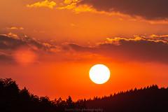 Dilsberg July Sunset - 2018 VII (boettcher.photography) Tags: july juli sashahasha boettcherphotography boettcherphotos germany deutschland badenwürttemberg sommer summer sky neckargemünd dilsberg rheinneckarkreis himmel sonne sun clouds wolken sonnenuntergang sunset horizon horizont