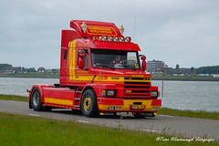 _DSF3032 (Peter Winterswijk) Tags: scania torpedo t112 t113 t142 t143 truckrun alltypesoftransport bullnose camion carshow classiccar carrosserie collection europe event europoort fujifilm holland haulage historical hgv hobby international industry keepontrucking lkw lesroutiers meeting netherlands oldtimer old oldtimermeeting ontour peterwinterswijk port roadtransport rotterdam retro szm sattelzugmaschine scaniatorpedo transport trucking truck trucks truckshow tractor tracteur torpedotoertocht vehicle vintage v8 xh1 youngtimer landtong rozenburg hoogvliet scaniahoogvliet