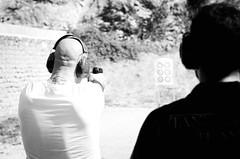 35914  - Shooting (Diego Rosato) Tags: shooting shot tiro handgun pistola poligono weapon bianconero blackwhite nikon d700 sigma 70200mm rawtherapee